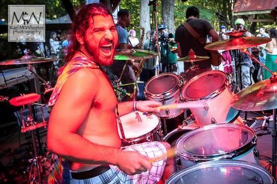 Drumming Max